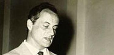 Paulo Autran - um dos mais marcantes narradores de  crônicas, atuou, entre outras produções, no histórico programa Quadrante.