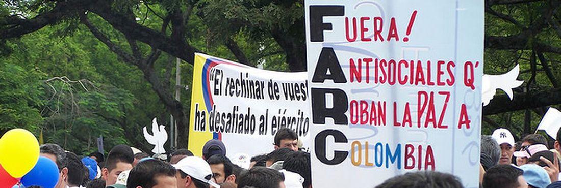 Protesto contra as Farc na Colômbia