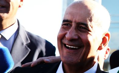 O ministro-chefe da Secretaria de Governo, general de Exército Luiz Eduardo Ramos Baptista Pereira participa da cerimônia de hasteamento da Bandeira Nacional, no Palácio do Planalto.