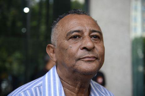 Anistia Internacional faz ato em frente ao Ministério Público Estadual