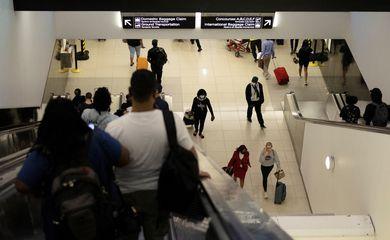 Passageiros no aeroporto de Atlanta