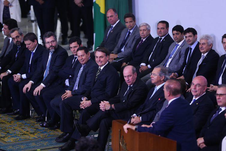 O presidente Jair Bolsonaro participa da Solenidade dos 300 dias de Governo