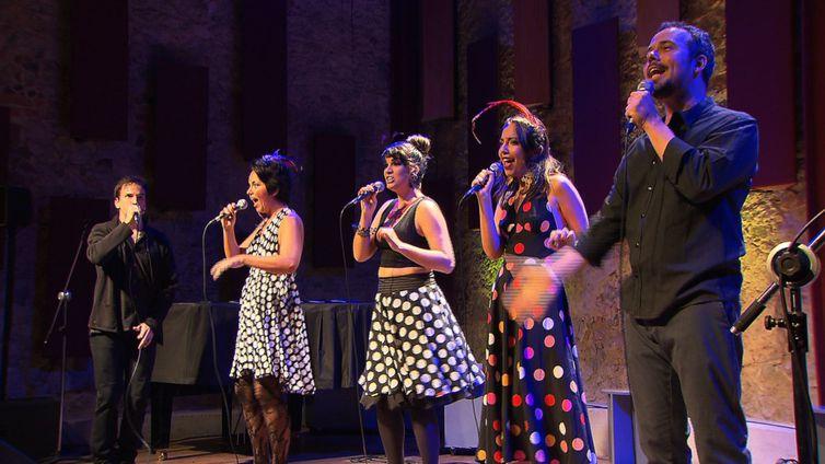 Grupo Ordinarius canta no programa Todas as Bossas