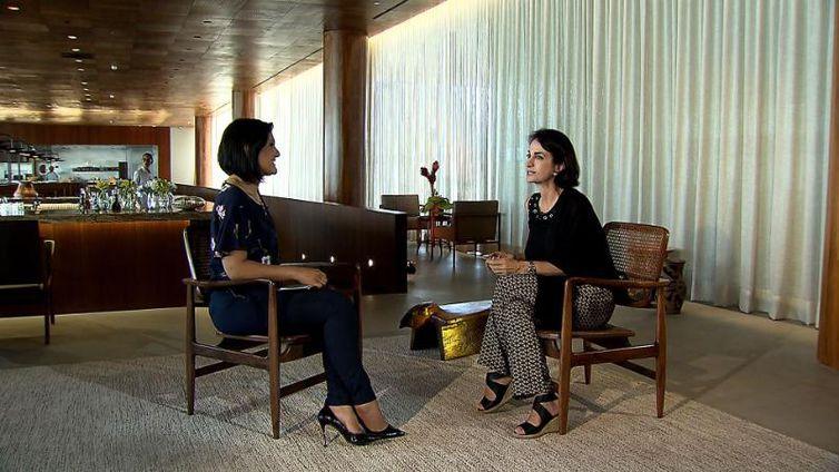 Roseann Kennedy conversa com a jornalista e escritora Claudia Matarazzo
