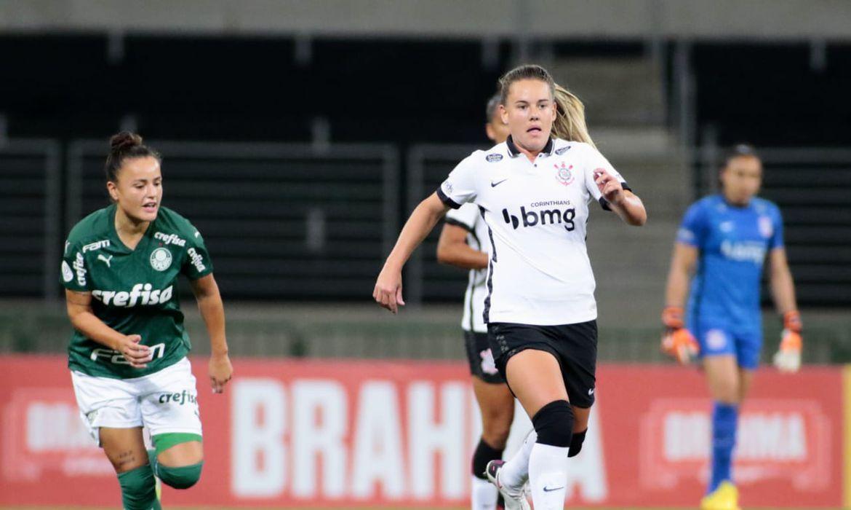 Camilinha, atleta do Palmeiras, e Andressinha, do Corinthians, foram convocadas para a seleção brasileira de Futebol Feminino