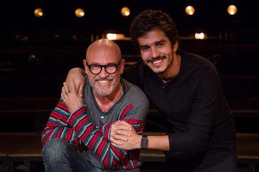 Bruno Barros recebe o ator e diretor teatral Gilberto Gawronsky no Atos
