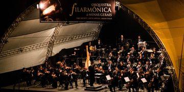 Filarmônica de Minas recebe o violinista e regente Cláudio Cruz