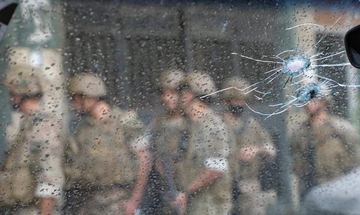 Army soldiers patrol after gunfire erupts, in Beirut