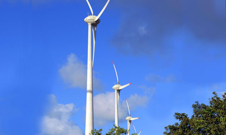 Torres de geradores de energia eólica no Rio Grande do Norte.  Natal(RN)08-11-2012 Foto: Miguel Ângelo/CNI