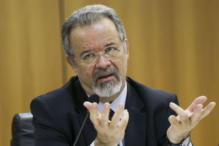 O ministro da Segurança Pública, Raul Jungmann durante entrevista coletiva.