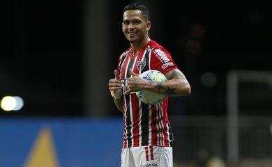 Luciano, destaque na vitória do São Paulo por 3 a 1 contra o Bahia