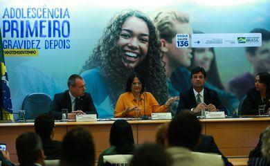 A ministra da Mulher, da Família e dos Direitos Humanos, Damares Alves, e o ministro da Saúde, Luiz Henrique Mandetta, lançam a Campanha Nacional de Prevenção à Gravidez na Adolescência