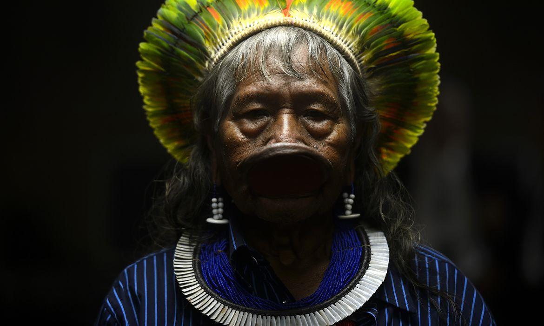 Rio de Janeiro - O cacique Raoni Metuktire, líder indígena  da etnia Caiapó, participa do 1º Congresso Mundial de Direito Ambiental, no TJRJ  (Fernando Frazão/Agência Brasil)