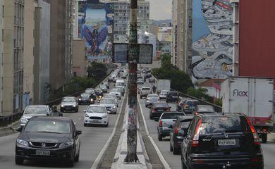São Paulo - Prefeito João Doria sanciona criação do Parque Municipal do Minhocão, que prevê desativação gradativa do Elevado João Goulart para carros e uso exclusivo para lazer (Rovena Rosa/Agência Brasil)