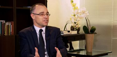 André Luiz de Almeida Mendonça é funcionário de carreira da Advocacia-Geral da União (AGU)
