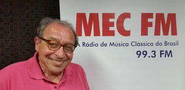 Ruy Castro comenta efeitos da pandemia na cultura e lança oficina online