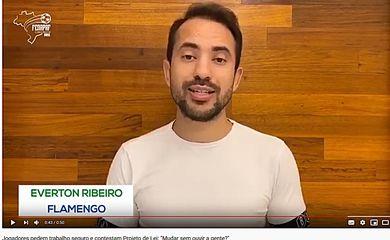 Everton Ribeiro,protesto de jogadores contra um projeto de lei q está para ser votado no Congresso, a pedido dos clubes.