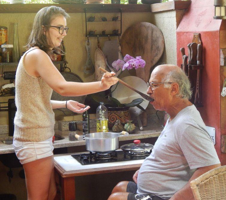 Joana Morais, filha de José Carlos, conta ao programa Especial sua relação com seu pai