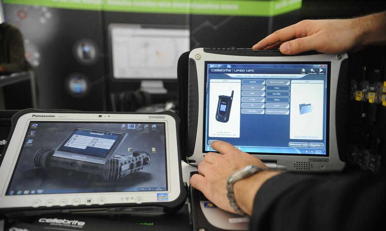 Rio de Janeiro - Equipamentos para perícia em crimes de infomática (aparelhos para capturar dados de celulares e computadores)expostos em seminário nacional para peritos que acontece na Cidade da Polícia, zona norte da cidade.