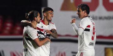 São Paulo vence o Vasco e abre vantagem nas oitavas de final da Copa do Brasil