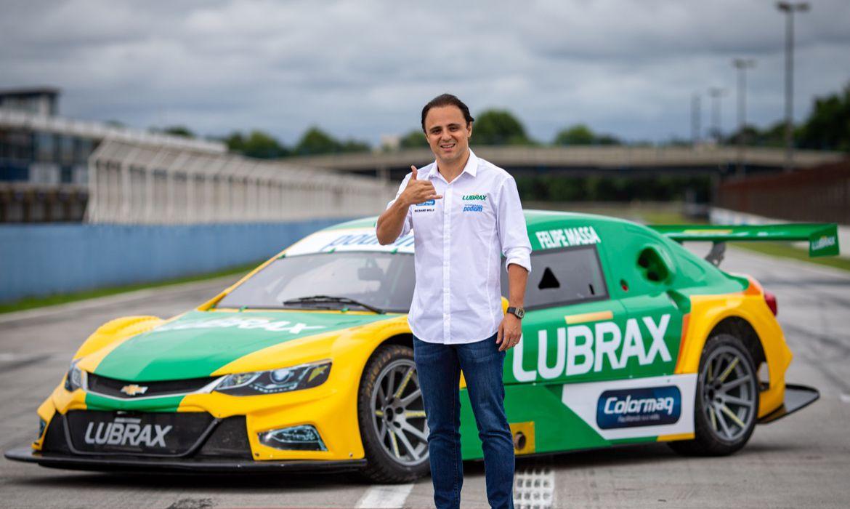 Felipe Massa volta ao Brasil para correr na Stock Car