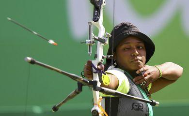 Vento atrapalha e Ane Marcelle dos Santos termina em nono lugar no tiro com arco individual