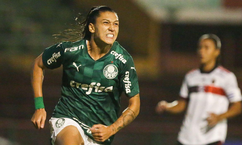 Bia Zaneratto marca os três gols da vitória do Palmeiras sobre o Flamengo, por 3 a 1, no Brasileiro Feminino, em 30/05/2021
