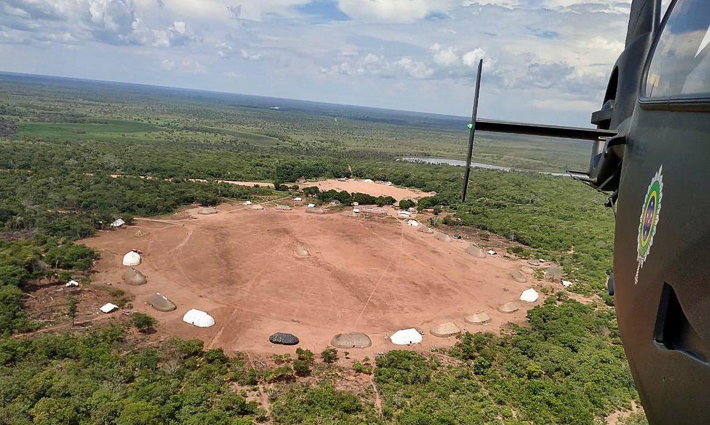 Transporte de urnas para a Terra Indígena Kaxinawá de Nova Olinda, no Alto Rio Envira, município de Feijó-AC