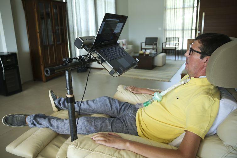 José Afonso Braga, portador de Esclerose Lateral Amiotrófica (ELA), criou um aplicativo prático e intuitivo para ajudar pessoas com a doença degenerativa a se comunicarem, o WeCanSpeak.
