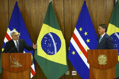 O presidente Jair Bolsonaro e o presidente de Cabo Verde, Jorge Carlos Fonseca, durante declaração no Palácio do Planalto.