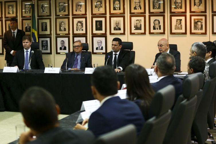Sergio Moro se reúne com ministros