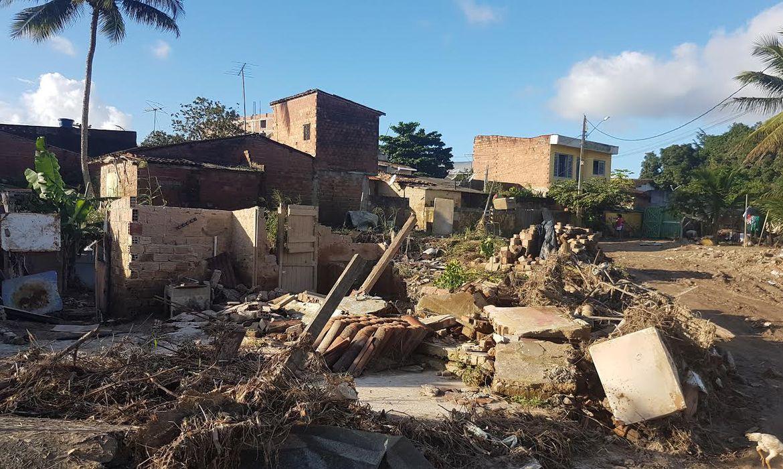 A força da água da chuva causou estragos e deixou municípios em situação de emergência