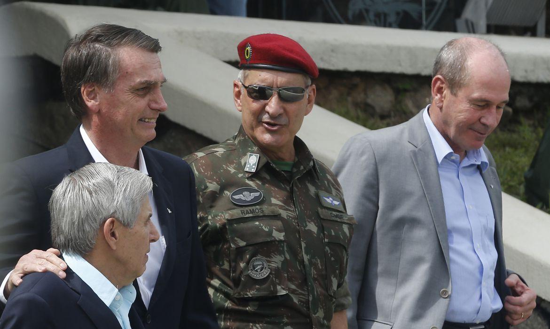 O presidente eleito, Jair Bolsonaro  (PSL), participa da comemoração do 73 aniversário da Brigada de Infantaria Pára-quedista,  na Vila Militar em Deodoro.