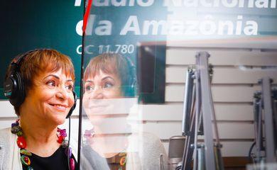 Mara Régia nos estúdios da Rádio Nacional.
