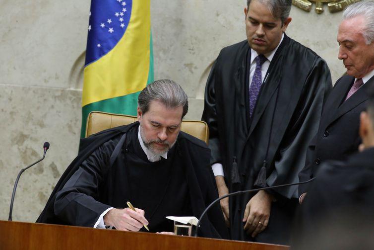 Toffoli toma posse na presidência do STF