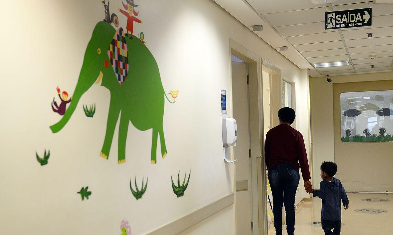 São Paulo - O ministro da Saúde, Ricardo Barros, lança o Plano Nacional de Assistência a Crianças com Cardiopatia Congênita, na sede do Instituto do Coração (Rovena Rosa/Agência Brasil)