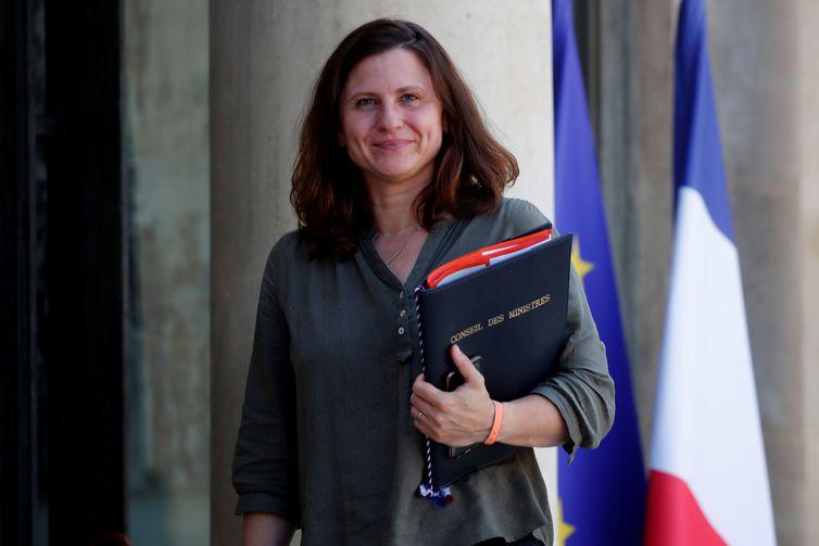 Ministra dos Esportes da França, Roxana Maracineanu, chega para reunião de gabinete no Palácio do Eliseu, em Paris