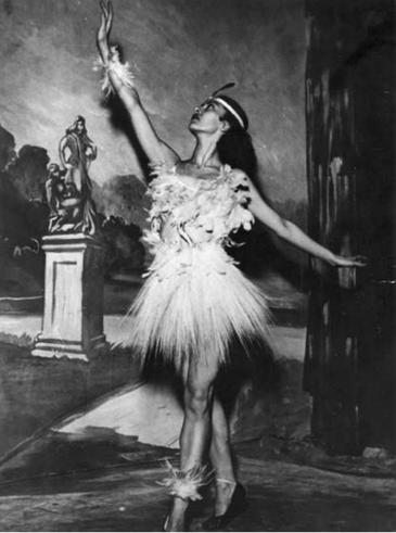 Show Na Taba- programa inaugural da TV Tupi-1950. Na foto Lia Marques.