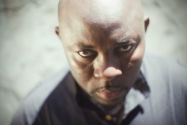 Zola Star é cantor e compositor