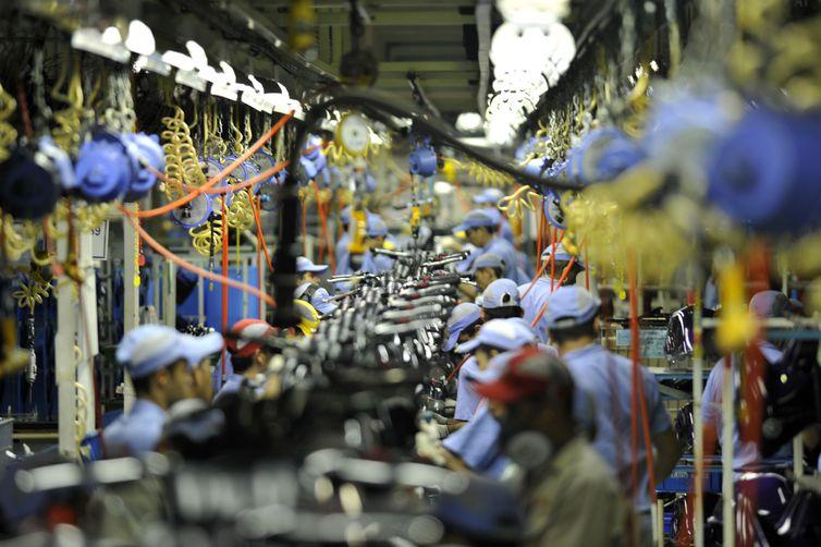 Fábrica da Yamaha. Linha de montagem de motocicletas Yamaha. Chão de fábrica. Manaus (AM) 26.10.2010 - Foto: José Paulo Lacerda
