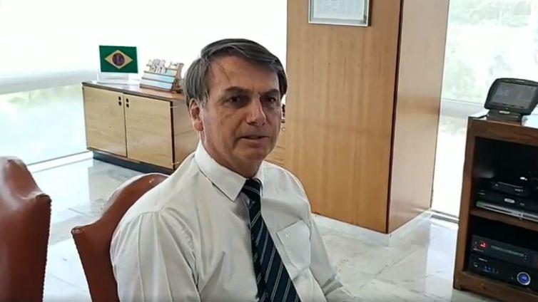 Presidente Jair Bolsonaro faz live após pronunciamento do presidente dos EUA, Donald Trump