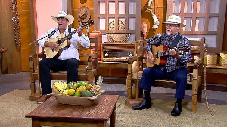 Bambam & Taquinho cantam uma boa moda de viola no Brasil Caipira