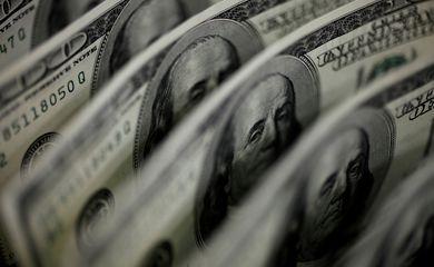 Dólar supera R$5,50 com temores globais de inflação