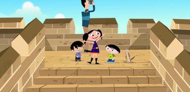 Luna e sua família vistam a Grande Muralha da China
