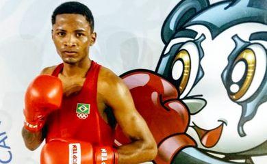 Wandernson de Oliveira, para as quartas de final do Mundial de Boxe, na Rússia.
