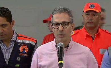 O governador de Minas Gerais, Romeu Zema, fala à imprensa sobre rompimento da barragem na região de Brumadinho (MG)