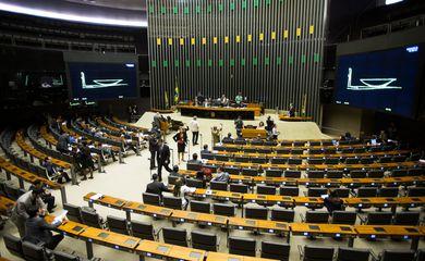 O Ministro da Educação interino, Luiz Cláudio Costa, participa de Comissão Geral na Câmara dos Deputados, que debate o Fies  (Marcelo Camargo/Agência Brasil)