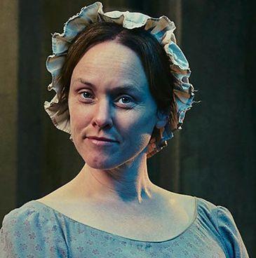 Emily Cratchité interpretada por Jennifer Hennessy