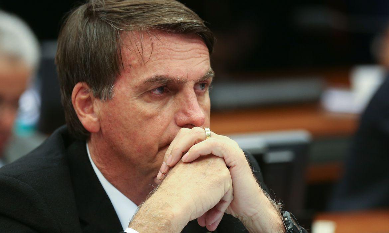 Brasília - Jair Bolsonaro durante o Conselho de Ética da Câmara  que arquivou duas representações contra seu filho, o deputado Eduardo Bolsonaro, por quebra do decoro (Fabio Rodrigues Pozzebom/ Agencia Brasil)