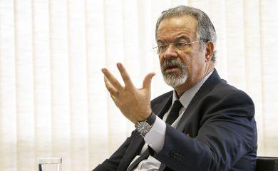 O ministro da Segurança Pública, Raul Jungmann, durante entrevista para a Agência Brasil